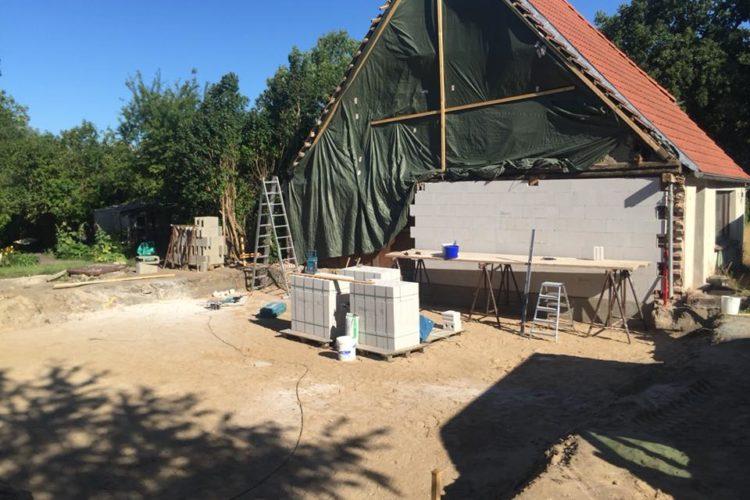Herstellen einer neuen Haustrennwand inkl. Streifenfundament